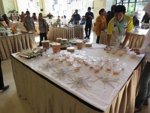 Det var många olika företag som presenterade sina produkter.