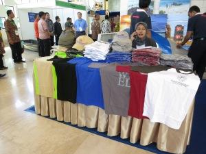 Det fanns många snygga t-shirts att köpa!