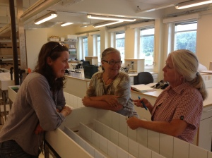 Frances, Marit and Lena discuss seaweed at Tjärnö Laboratory.