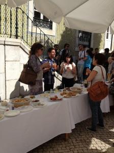 Snacks, sol och vetenskapligt samtal