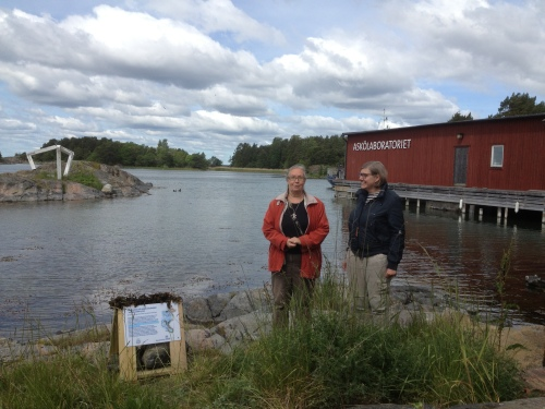 Lena Kautsky och Astrid Söderbergh Widding inviger snorkelleden på Askö