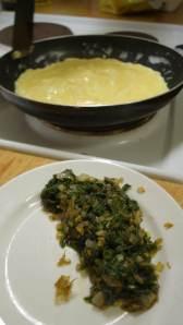 Säg omelett! Med gaffelgrenad svamptång.
