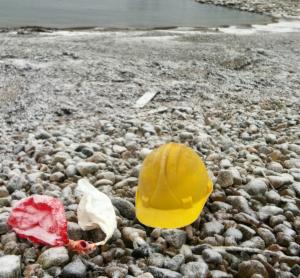 hjälm och ballonger
