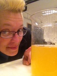 Det är inte apelsinsaft utan tångens spermier.