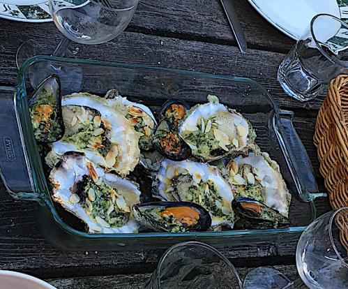 6 jätteostron o musslor gratinerade