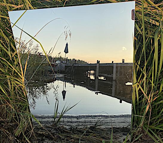 Spegel vid bryggan